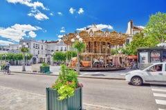 FONTAINEBLEAU FRANKRIKE - JULI 09, 2016: Förorter av Paris - stad Arkivbilder