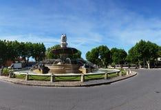Fontainen de la Rotonde - panoramautsikt Arkivbilder