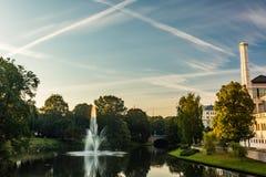 Fontaines à Riga et bâtiments Images stock