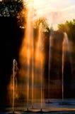 Fontaines au coucher du soleil images libres de droits
