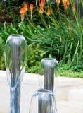 Fontaines d'eau de jardin photographie stock