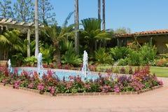 Fontaines d'entrée de Sherman Library et de jardins Photos libres de droits