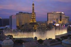 Fontaines d'hôtel de Las Vegas Bellagio et la bande Images libres de droits