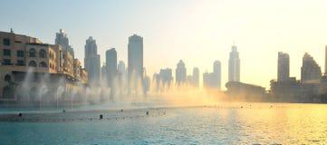 Fontaines de danse à Dubaï images libres de droits
