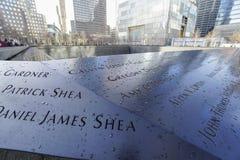 9-11 fontaines de mémorial au point zéro - World Trade Center MANHATTAN - NEW YORK - 1er avril 2017 Images libres de droits