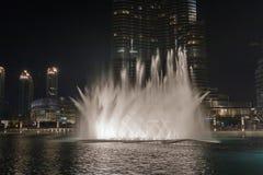 Fontaines de musical de Burj Khalifa Images stock