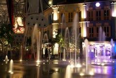 Fontaines de nuit de Clarke Quay image stock