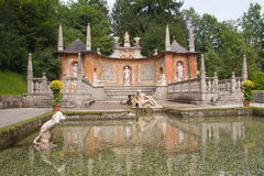 Fontaines de tour au château de Hellbrunn (Salzbourg, Autriche) Images stock