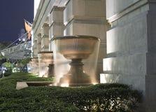 Fontaines en soirée Photo libre de droits