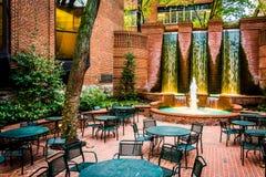 Fontaines et salle à manger extérieure à Lancaster du centre, Pennsyl photos stock