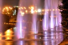 Fontaines musicales au canal de Rusanivsky, Kiev, Ukraine photographie stock