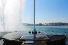 Fontana al lago Lemano Immagini Stock Libere da Diritti