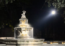 Fontana alla notte Fotografie Stock