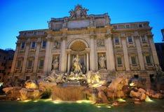 Fontana alla notte, Roma di Trevi Fotografia Stock Libera da Diritti
