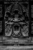 Fontana bevente pubblica con il fronte di pietra gridante Fotografia Stock