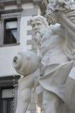 Fontana con i pezzi antichi Fotografia Stock Libera da Diritti