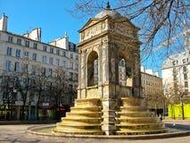 Fontana degli innocenti a Parigi, Francia immagini stock libere da diritti