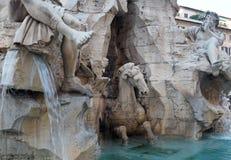 Fontana-dei Quattro Fiumi in Navona-Quadrat in Rom, Italien stockfotografie