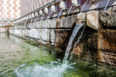 Fontana 99 del cannelle del delle 99 di Fontana dei becchi, L L'Aquila Fotografia Stock Libera da Diritti