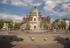 Fontana del centro edificato di Charleroi Immagini Stock Libere da Diritti