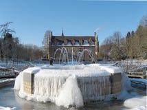 Fontana del ghiaccio al castello Fotografia Stock Libera da Diritti
