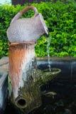 Fontana del giardino del vaso Fotografie Stock Libere da Diritti