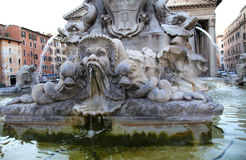 Fontana del Panteon i Rome, Italien royaltyfria bilder