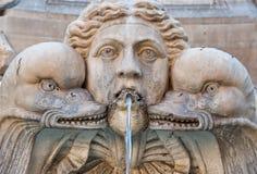 Fontana del Pantheon的细节在罗马,意大利。 图库摄影