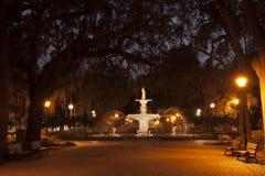 Fontana del parco di Forsyth alla notte Fotografia Stock Libera da Diritti