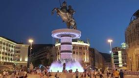 Fontana di Alessandro Magno a Skopje video d archivio