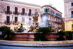 Fontana di Artemide, Artemide喷泉, Ortigia,意大利 免版税库存照片