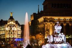 Fontana di Cibeles e di Alcala a Madrid al crepuscolo Fotografie Stock Libere da Diritti