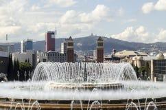 Fontanadi de Montjuïc di gica di Mà a Barcellona Immagini Stock Libere da Diritti