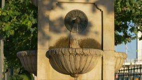 Fontana di pietra a Budapest video d archivio