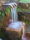 Fontana di Pol Pol nel parco naturale di Urkiola nel Paese Basco fotografia stock libera da diritti