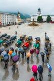 Fontana di Residenzbrunnen su Residenzplatz a Salisburgo, Austria Fotografia Stock