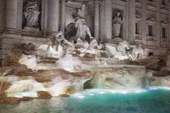 Fontana di Trevi, dettaglio della fontana, vista laterale Fotografia Stock
