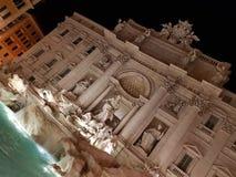 Fontana di Trevi no nigth fotos de stock royalty free