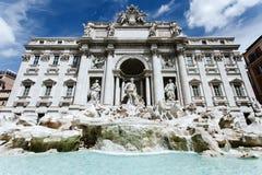 Fontana di Trevi på dagen Royaltyfria Foton
