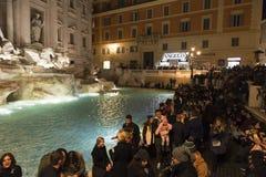 Fontana di Trevi, Rome la nuit Images stock