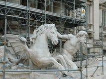 Fontana Di Trevi widok od mosta, w przywróceniu Fotografia Royalty Free