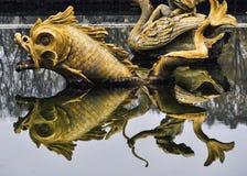 Fontana dorata Immagini Stock