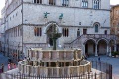 Fontana Maggiore στην πλατεία IV Novembre στην Περούτζια Στοκ φωτογραφία με δικαίωμα ελεύθερης χρήσης