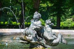 Fontana a Monaco di Baviera, Germania Parte della fontana del monumento di pace Fotografia Stock Libera da Diritti