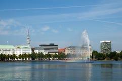Fontana nel lago Alster, Amburgo, Fotografia Stock Libera da Diritti