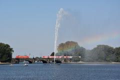 Fontana nel lago Alster a Amburgo, Germania Immagine Stock Libera da Diritti