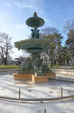 Fontana nel parco inglese del giardino di Ginevra fotografia stock