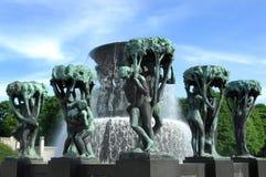 Fontana nella sosta Oslo di Vigeland fotografia stock