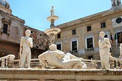 Fontana pretoria - Palermo foto de stock