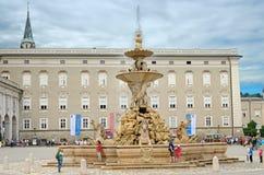 Fontana a Salisburgo, Austria. Fotografia Stock